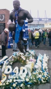 tributes to Howard Kendall outside Goodison Park